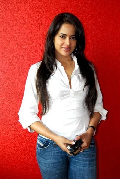 Sameera Reddy Smart Look Pics
