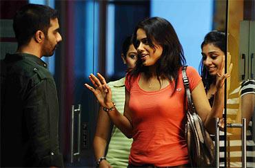 Sameera Reddy In Thriller Film Nadunisi Naaygal