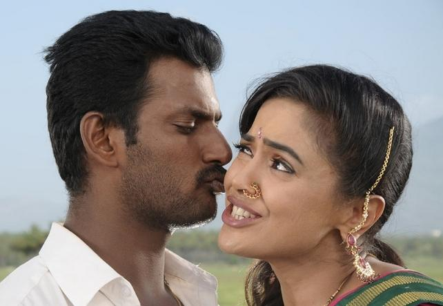 Sameera Reddy With Vishal Kissing Scene In Vedi Movie