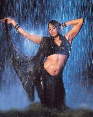 Sameera Reddy Wet Sexy Black Saree Image