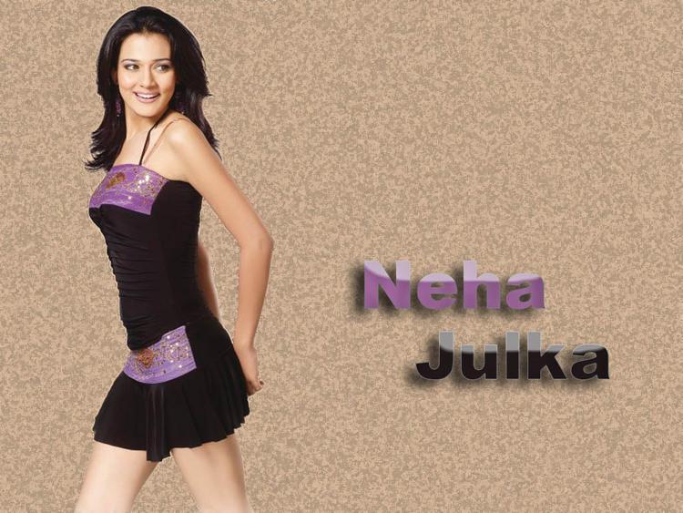 Neha Jhulka Sexy Pose Wallpaper
