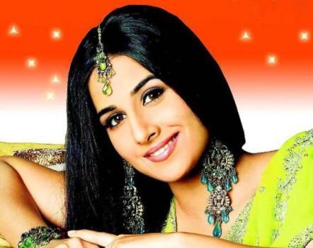 Vidya Balan Looking Very Beautiful