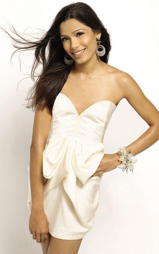 Freida Pinto Strapless Dress Sexy Wallpaper