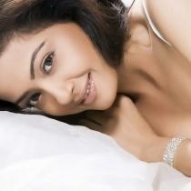 Surveen Chawla Attractive Look Pics