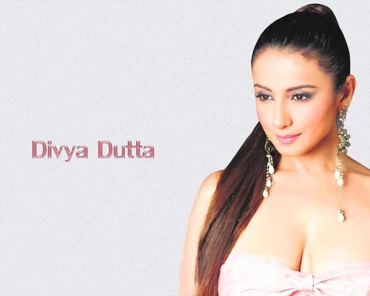 Sexy Divya Dutta Sizzling Face Look Wallpaper