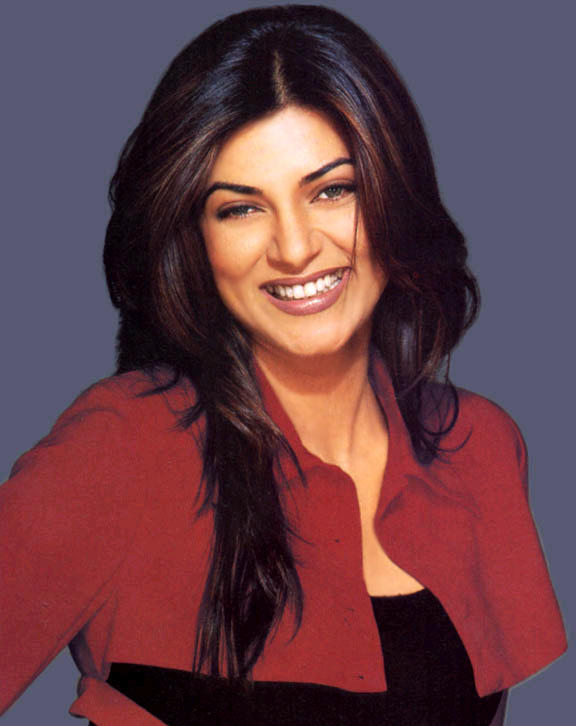 Smiling Beauty Sushmita Sen Wallpaper