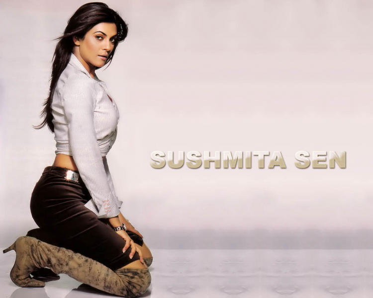 Sushmita Sen Hot Look Wallpaper