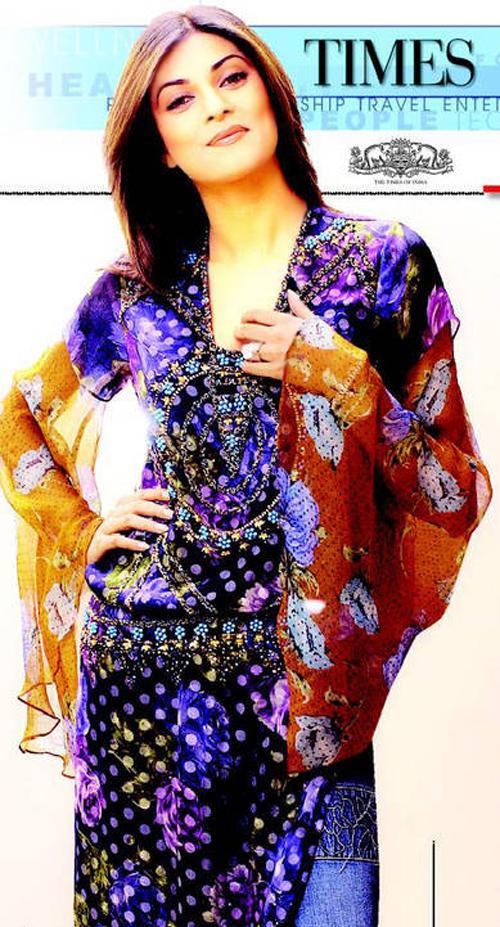 Sushmita Sen Looking Very Gorgeous