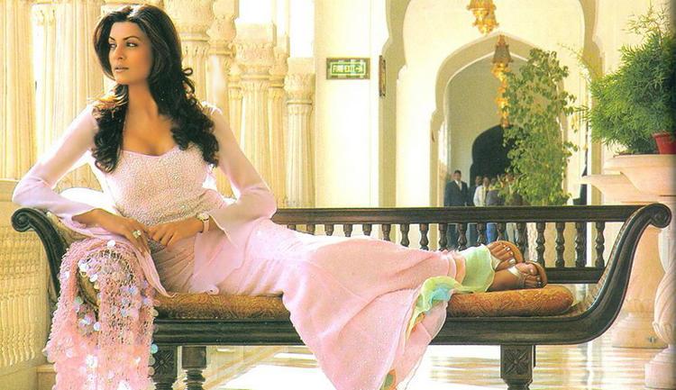 Sushmita Sen Sizzling Hot Sexy Pose Photo Shoot
