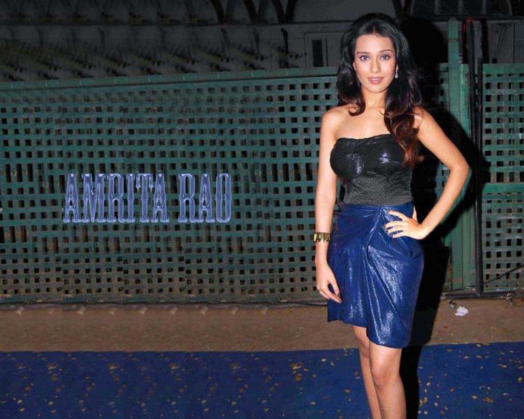 Amrita Rao Looking Very Gorgeous