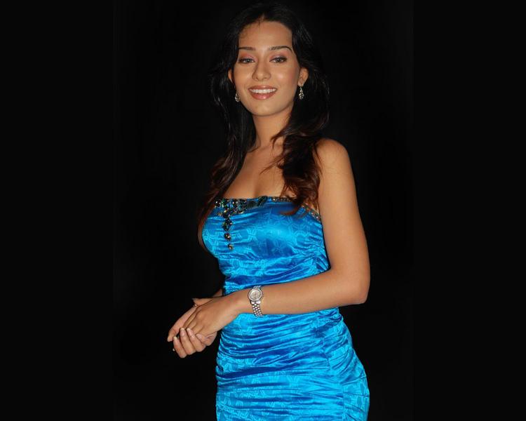 Amrita Rao Strapless Dress Sweet Wallpaper
