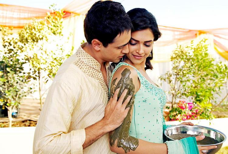 Deepika and Imran Romance Still In Break Ke Bad