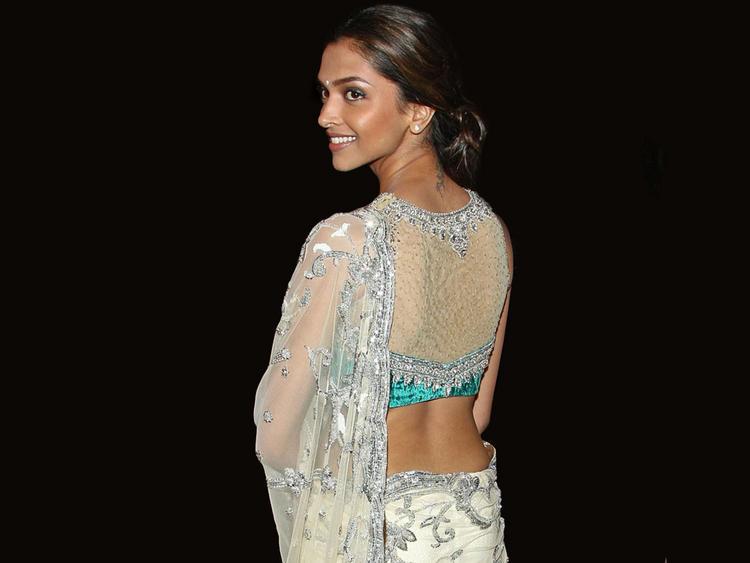 Deepika Padukone Sexy Back Exposing Still