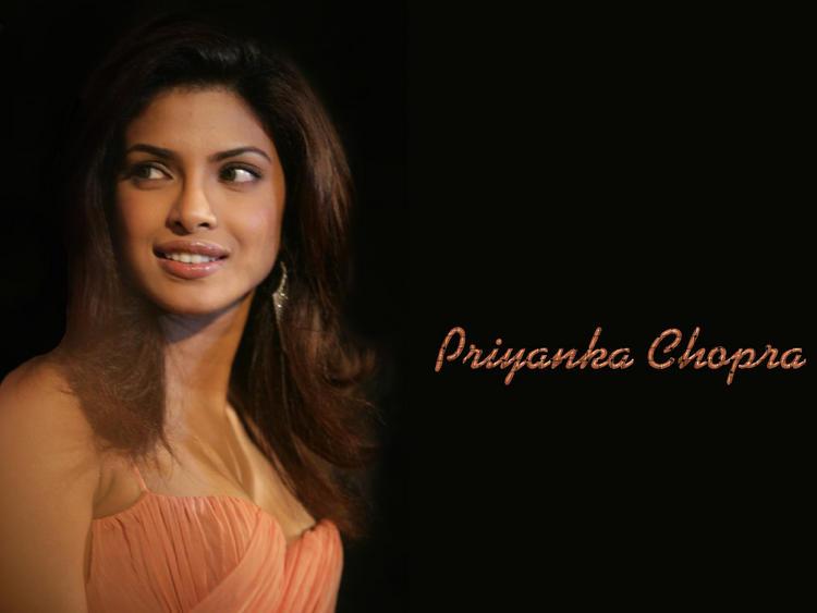 Hot Diva Priyanka Chopra Wallpaper