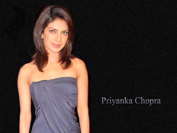 Priyanka Chopra Strapless Dress Gorgeous Wallpaper