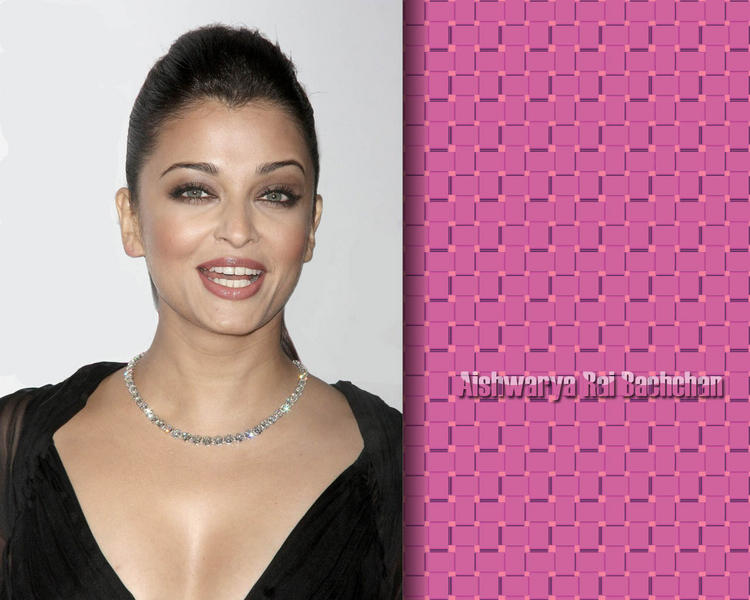 Aishwarya Rai Deep Cleavages Pic