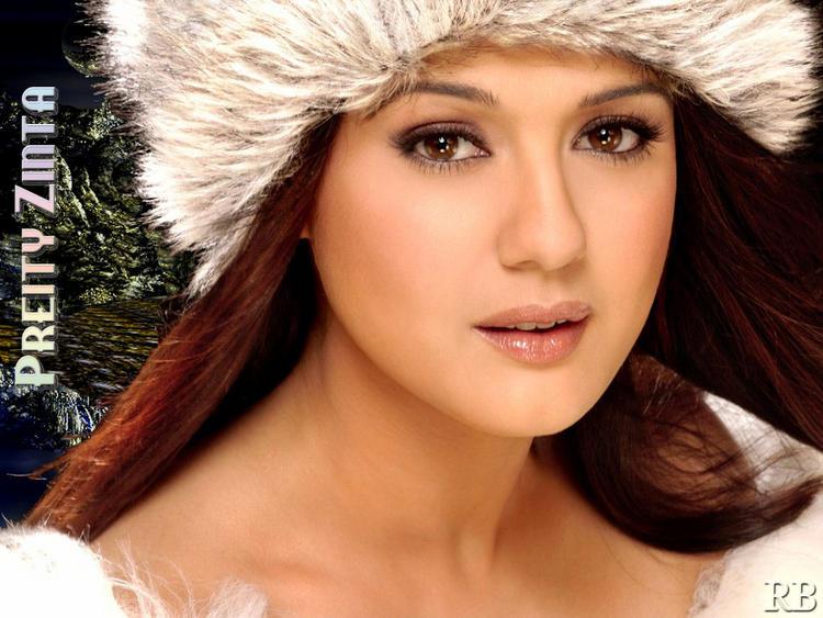 Charming Actress Preity Zinta Wallpaper