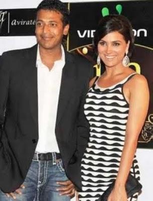 Lara Dutta And Mahesh Bhupathi Smiling Pics