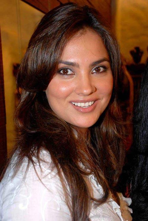 Lara Dutta Smiling Pics