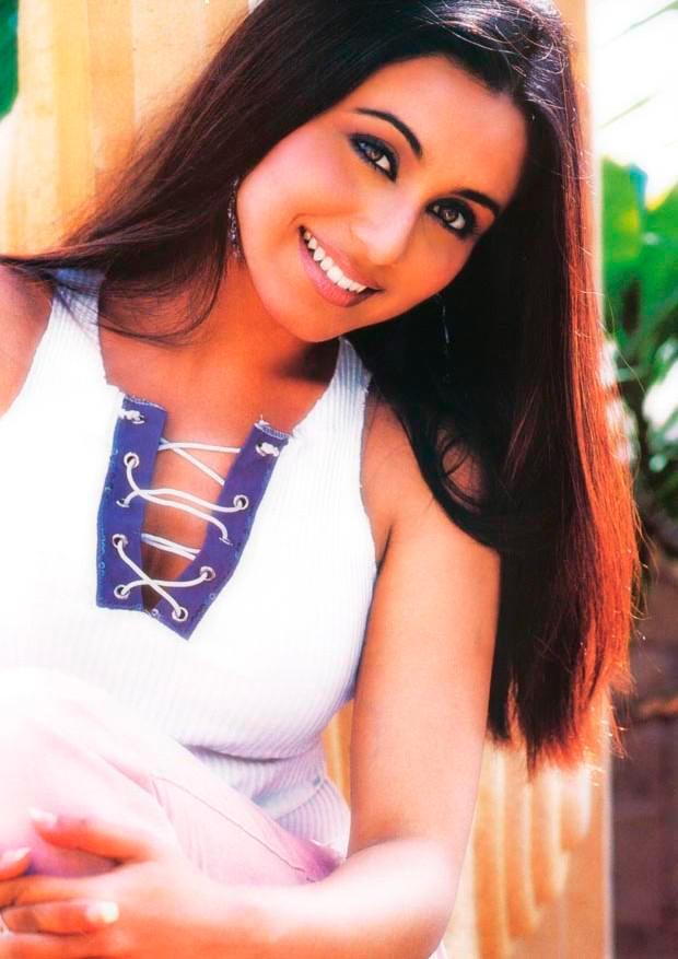 Rani Mukherjee Cute and Sweet Pic