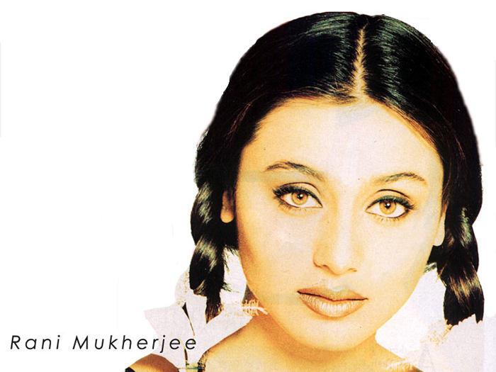 Rani Mukherjee Cute Hair Style Hot Wallpaper