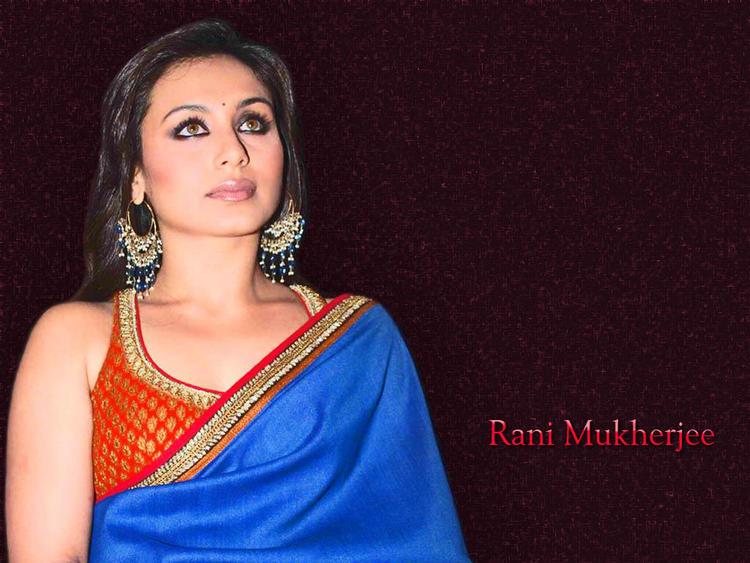 Rani Mukherjee Gorgeous Wallpaper In Saree