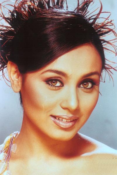 Rani Mukherjee Rock Hair Style Wallpaper