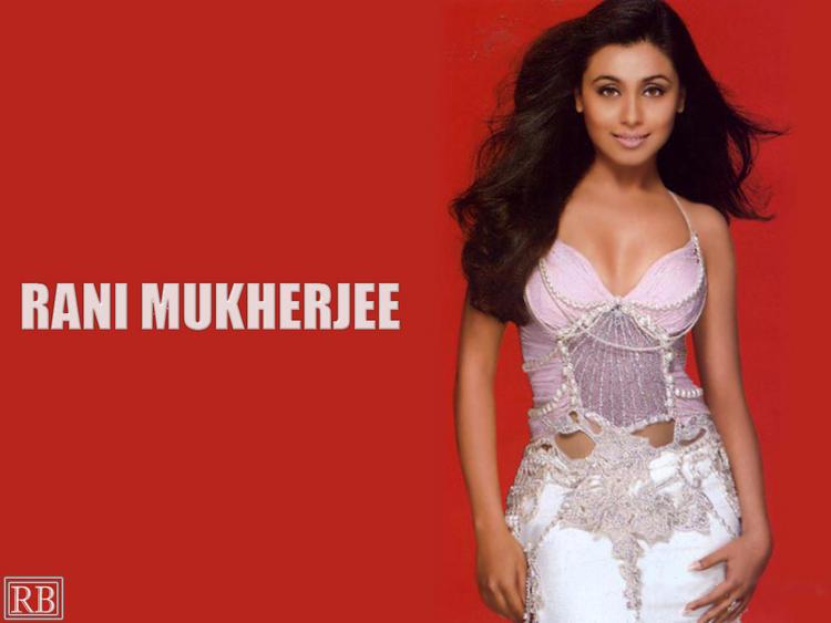 Rani Mukherjee Sexiest Dressing Wallpaper