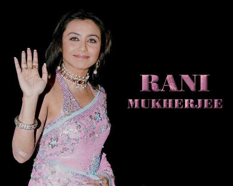 Rani Mukherjee Sweet Wallpaper In Pink Gorgeous Saree