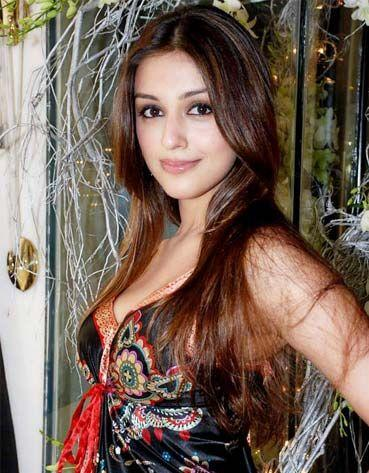 Aarti Chhabria Dazzling Face Look Wallpaper