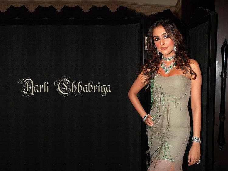Aarti Chhabria Glamour And Nice Look Wallpaper