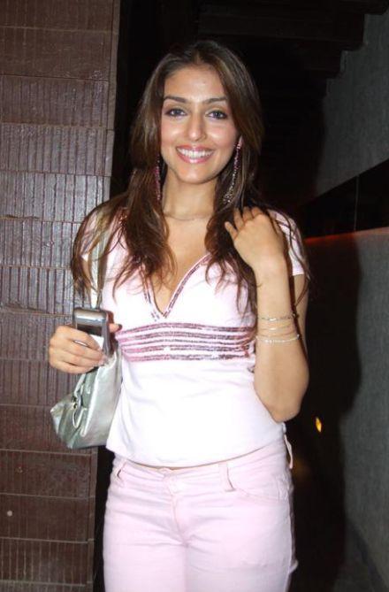 Aarti Chhabria Smiling Pics