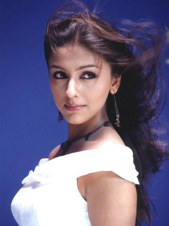 Aarti Chhabria Spicy Look Wallpaper