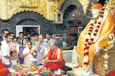 Kajol and Ajay at Sai Baba Temple in Shirdi