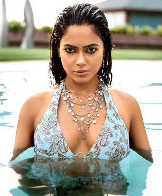 Sameera Reddy Wet Sexy Look In Water Pics