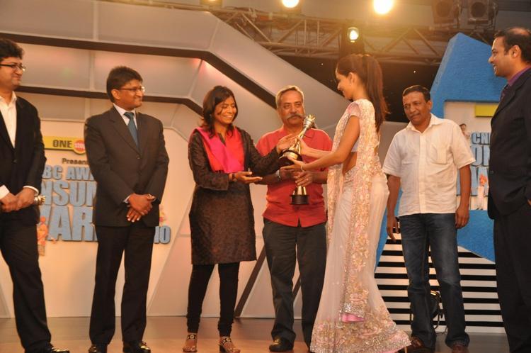 Genelia Wins Best Brand Ambassador Award