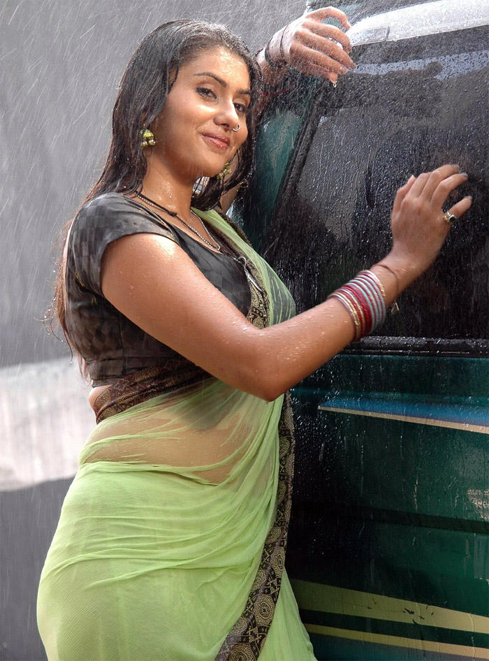 Namitha Wet Swim Still In Saree