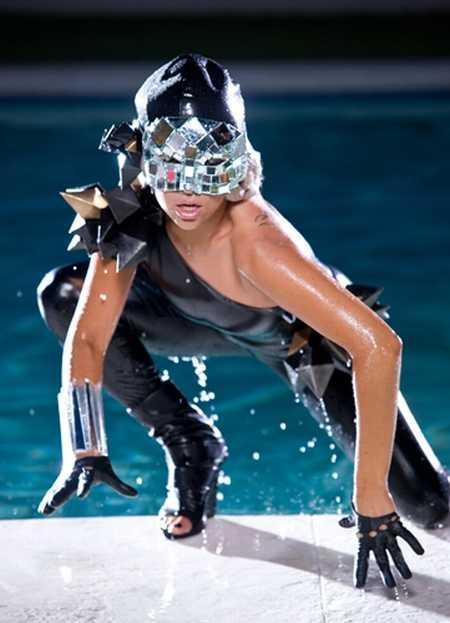 Lady Gaga Hot Sexy Pose Performance Still