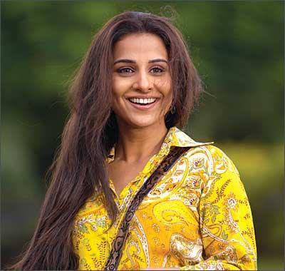 Smiling Vidya Balan Cool Pics