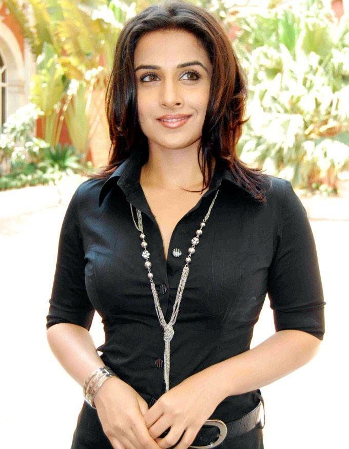 Vidya Balan Smart Look Pics