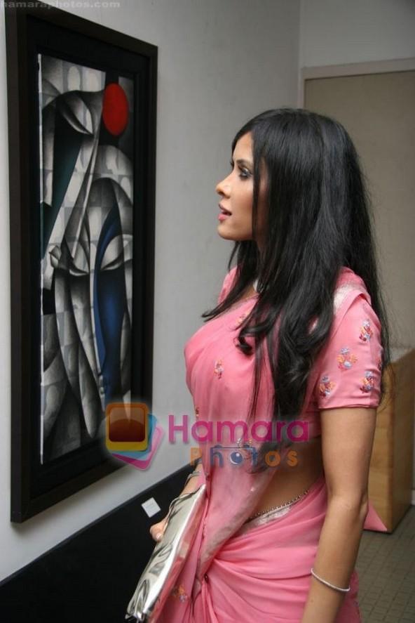 Nandana Sen In Saree Pics