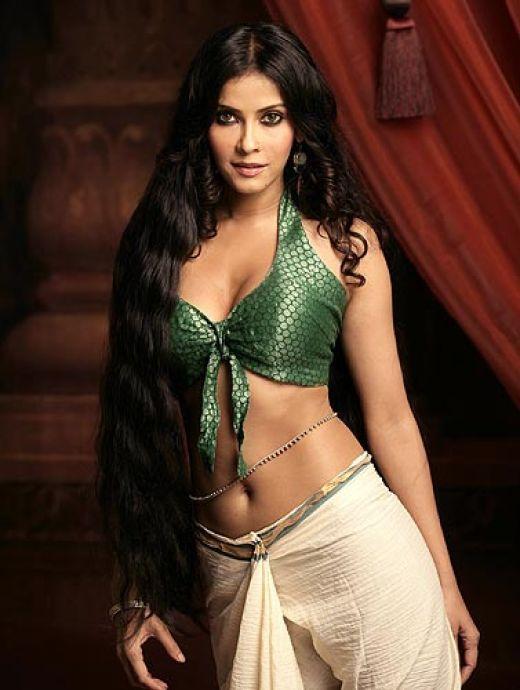 Nandana Sen Sexy Navel Show Wallpaper