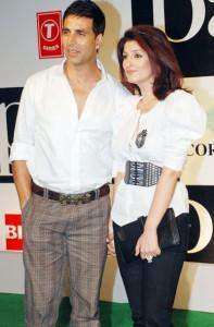 Twinkle Khanna And Akshay Kumar Cool Photo
