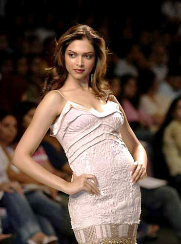 Deepika Padukone Attractive Look Walk Still