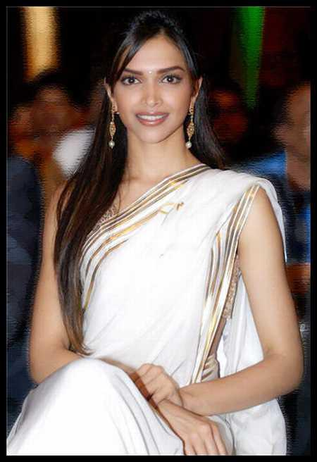 Deepika Padukone Beauty Still In White Saree