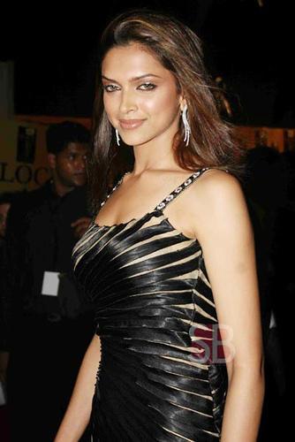 Deepika Padukone Glamour Still