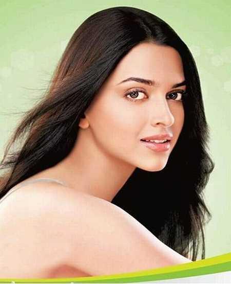 Deepika Padukone Hot Sizzling Still