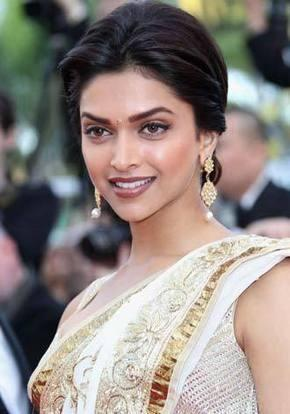 Deepika Padukone Looking So Beautiful