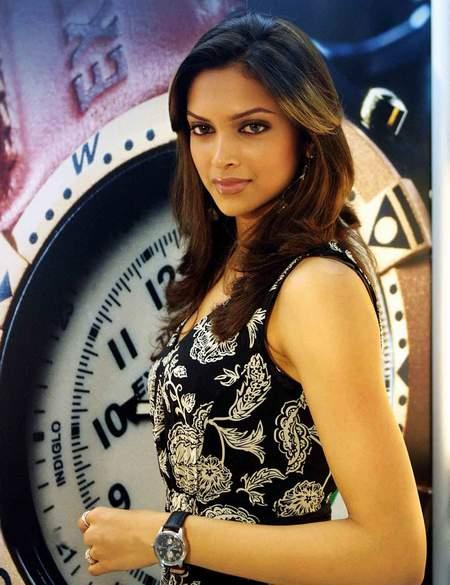 Deepika Padukone Nice and Cool Look Still