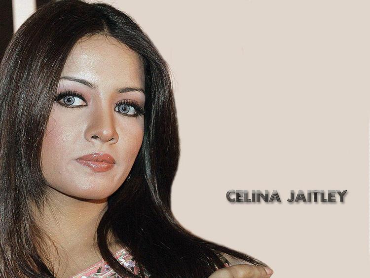 Celina Jaitley Cat Eyes Look Wallpaper
